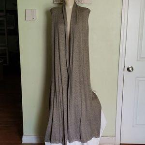 Sleeveless tunic